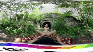 [HoliVR 360VR Porn] ピクニックでの屋外セックス