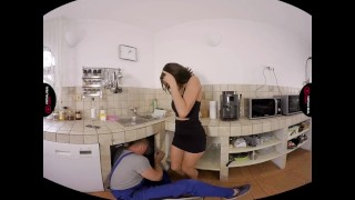 VirtualRealPorn.com - Sexy housewife