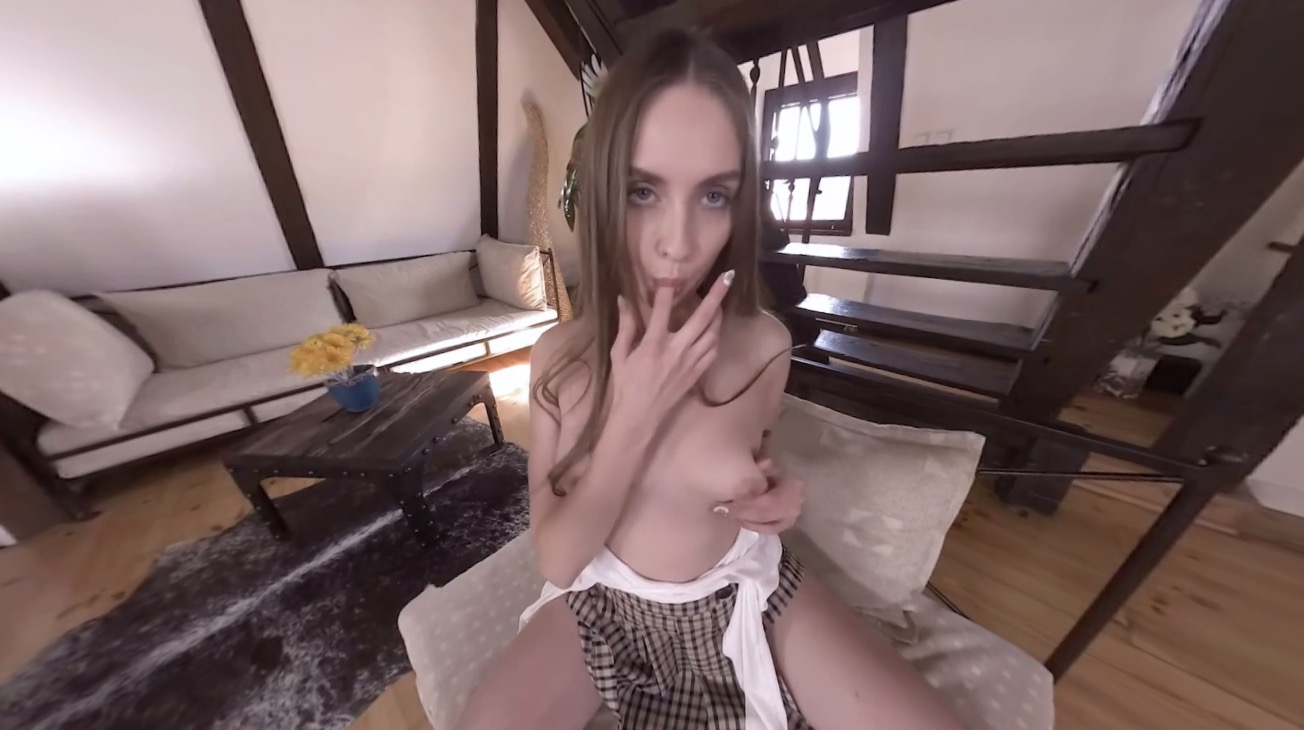 Stunning college girl squirting